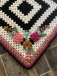 Transcendent Crochet a Solid Granny Square Ideas. Inconceivable Crochet a Solid Granny Square Ideas. Crochet Puff Flower, Crochet Flower Patterns, Crochet Blanket Patterns, Baby Blanket Crochet, Crochet Flowers, Crochet Blankets, Crochet Applique Patterns Free, Crochet Appliques, Crochet Afghans