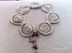 attachable/detachable crochet collar...