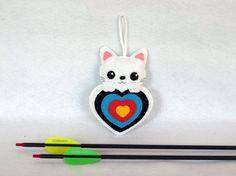 Chat kawaii, cible tir a l'arc, animaux en feutrine par IbelieveIcanfil - Kawaii cat, archery target, felt animals