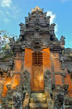 A temple in the Monkey Forest, Ubud, Bali :: There are over 20,000 pura (Balinese for temple) in #Bali