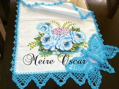 Pano de Prato - Borboleta Lateral Crochet Towel, Crochet Diy, Crochet Lace Edging, Crochet Borders, Embroidery Patterns, Crochet Patterns, Crochet Butterfly, Yarn Projects, Yarn Needle