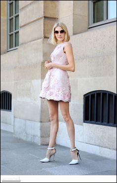 Stunning.  - for more fashion visit http://pinterest.com/franpestel/fashion-rien-que-de-la-mode/