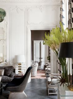 House Tour:Paris Duplex - Design Chic So tres chic!