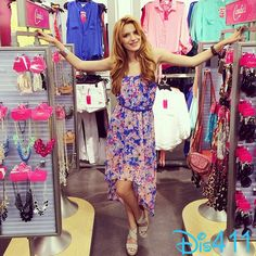 """Video: Bella Thorne Talked With """"ET"""" While Checking Out The Candie's Line At Kohl's May 2014"""