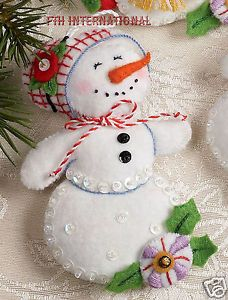 Bucilla-Let-It-Snowman-6-piece-Felt-Christmas-Ornament-Kit-86186-Frosty-Lady