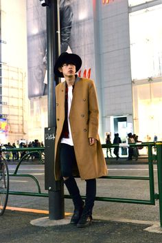 ICCHO STYLE BLOG -TOKYO STREET FASHION MAGAZINE -: 成田 凌 - Camel no-collar Chester Court !!