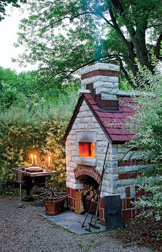 Wow! A wood burning pizza oven in your back yard???  Love it!!!  www.myocproperty.com