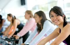 women at the gym doing cardio exercises cardio workouts exercise equipment weight-loss flat-abs workout better-body sexy-abs get-fit excercuse healthy-diet Losing Weight Tips, Weight Loss Tips, How To Lose Weight Fast, Weight Gain, Reduce Weight, Weight Control, Lose Fat, Weight Lifting, Cellulite