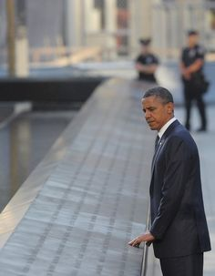 president obama and the memorial pool.