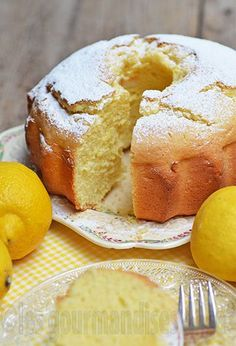 - - Gâteau Italien au citron et à la crème fraîche Fondant et trop bon … Italienischer Kuchen mit Zitrone und frischem Sahne-Fondant und zu gut Desserts With Biscuits, No Cook Desserts, Delicious Desserts, Yummy Food, Sweet Recipes, Cake Recipes, Dessert Recipes, Food Cakes, Cupcake Cakes