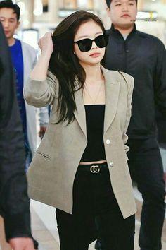 Hot Photo& of Jennie Blackpink Blackpink Outfits, Kpop Fashion Outfits, Casual Outfits, Korean Airport Fashion, Korean Fashion Trends, Blackpink Fashion, Fashion Moda, Blackpink Jennie, Looks Teen