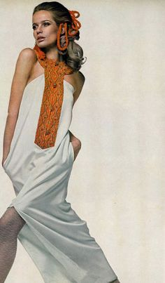 Veruschka by Richard avedon for vogue us march-1967. 60s summer style.