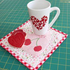 The Heart Mug Rug features Olfa's Decorative 45mm Scallop & Peak Rotary Blade - February 2013's Notion of the Month!  + Printable version of FREE Pattern in PDF Format