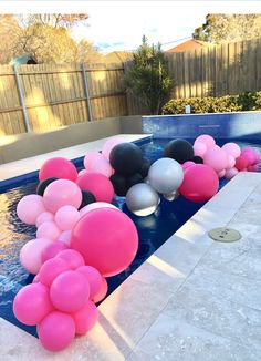 Pool Party Decorations, Balloon Decorations, Party Themes, Party Ideas, Grad Parties, Birthday Parties, Pool Parties, Backyard Bridal Showers, Celebration Balloons