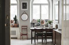 Titta in hos supermodellen Frida Gustavsson och Marcel Engdahl Interior Styling, Interior Decorating, Interior Design, Living Room Interior, Home Living Room, Skandi Kitchen, Frida Gustavsson, Home 21, Room Of One's Own