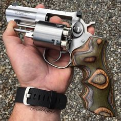RAE Magazine Speedloaders will save you! Weapons Guns, Guns And Ammo, Ruger Revolver, Revolvers, Tactical Revolver, Rifles, Custom Guns, Fire Powers, Cool Guns