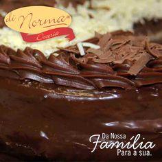 Bolo Casadinha: Bolo de chocolate recheado com creme de chocolate ao leite e branco. #love #DiNorma #cake #curta #siga e #compartilhe