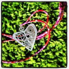 Bijoux cotton strings with oriental prints or metallic chains #cuoremeccanico #love #heart #cuore #gioiello #ciondolo #sanvalentine #jewellery #bijoux #oriental #amore #amour #fashion #green #spring