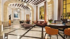 Centrally located in Palma de Mallorca, the Gloria de Sant Jaume is a centrally located hotel in the city, set in a palace. Jacuzzi, Hall Hotel, Lake Garda, Hotel Interiors, Architectural Elements, Halls, 16th Century, Patio, Luxury