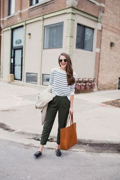 Everlane striped sweater and Everlane Japanese Go-Weave Easy Pants / Gucci Loafers / Madewell Tote Fashion 101, Fashion Advice, Fashion Trends, Work Fashion, Spring Fashion, Fashion Ideas, Loafers Outfit, Gucci Loafers, Grey Loafers