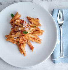 Πένες φούρνου, σάλτσα ντομάτας, μοτσαρέλα & βασιλικός | Pandespani Carrots, Vegetables, Recipes, Food, Recipies, Essen, Carrot, Vegetable Recipes, Meals
