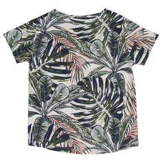 Skøn t-shirt med allover tropisk print og korte ærmer fra Hust and Claire 195-27717-1246