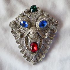 RARE Staret rhinestone lion face mask brooch BOOK PIECE!