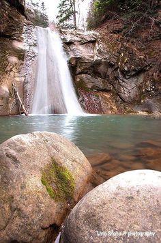 Cascada Casoca, Siriu    Foto: Liviu Stoica    Surprising Romania - Împreună promovăm frumusețile României! Romania Travel, Waterfall, Outdoor, Outdoors, Waterfalls, Outdoor Games, The Great Outdoors
