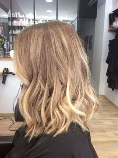Are you going to balayage hair for the first time and know nothing about this technique? We've gathered everything you need to know about balayage, check! Medium Hair Styles, Short Hair Styles, Hair Medium, Blonde Hair Looks, Blonde Balayage, Hair Day, Hair Lengths, Dyed Hair, Hair Inspiration