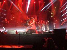 YÖ-YHTYE Anniversary  MIJAS NATURAL (Beauty & Hair) 35 Aniversario del grupo finlandés YÖ-YHTYE! MIJAS NATURAL (Beauty & Hair) participa en el MUA & Hair además de aportar la presencia de RAQUEL y su baile flamenco en el estadio METRO AREENA (FINLANDIA) ante más de 10.000 personas (y a través de internet para todo el país). Promocionando MIJAS naturalmente YÖ-YHTYE Anniversary  MIJAS NATURAL (Beauty & Hair) Fotografía: HANNELE MALM 35 Aniversario del grupo finlandés YÖ-YHTYE! MIJAS NATURAL…