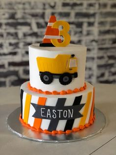 Looking to bake the perfect constructions themed birthday cake? Check out these awesome ideas! This post also has other birthday desserts and cookie ideas for a construction party. Dump Truck Cakes, Truck Birthday Cakes, Birthday Party Desserts, 2nd Birthday, Birthday Banners, Birthday Ideas, Birthday Invitations, Construction Party Cakes, Construction Birthday Parties
