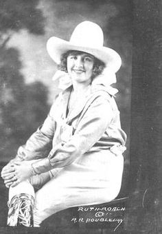 Doubleday's Cowgirls: Women in the Rodeo