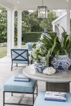 Blue & White Rooms and Very Affordable Blue & White Furniture / Accessories, Die Hamptons, Hamptons Style Homes, Asian Home Decor, White Home Decor, Outdoor Rooms, Outdoor Living, Outdoor Decor, Estilo Tropical, South Shore Decorating