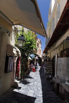 Kleine Gassen in Rethymnon auf Kreta. #kreta #reisen #urlaub #rethymnon Vacation