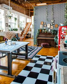 What you need to know about booking a night or a photoshoot at The Funky Loft, Brooklyn's coolest AirBnB. Located in Bushwick, Brooklyn in NYC. Funky Home Decor, Eclectic Decor, Eclectic Design, Dream Home Design, Home Interior Design, Funky Bedroom, Aesthetic Room Decor, House Rooms, Sweet Home