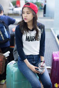 Hyejeong - AOA fashion. Love it especially the shirt. I want it x)
