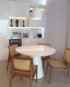 Ambiente clean e bastante funcional By Tais Netto Arquitetura  ARCHITECTURE | INTERIORS | WHITE