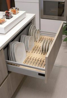 13 DIY Ideas for Kitchen Storage – diy kitchen decor ideas Kitchen Room Design, Modern Kitchen Design, Home Decor Kitchen, Interior Design Kitchen, Kitchen Furniture, Home Kitchens, Furniture Design, Kitchen Decor Themes, White Kitchen Decor