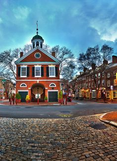 Where to Travel in July, Philadelphia Restaurants Philadelphia History, Philadelphia Restaurants, Beautiful Places In The World, Great Places, Places To Go, Travel Checklist, Travel Advice, Color Of The Day, Tahiti