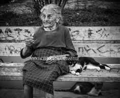 What a lovely lady, Rethymno Square...