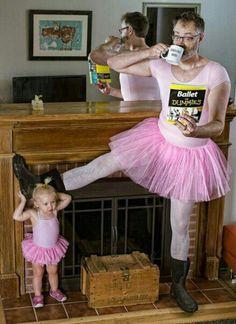 lo que hace un padre por sus hijas!!!