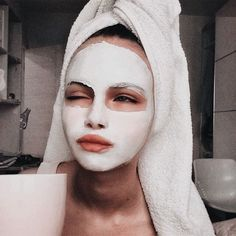 mask aesthetic girl Selfcare done rightYou can find Selfies and more on our website.mask aesthetic girl Selfcare done right Chemisches Peeling, Mascara Hacks, Selfies, Foto Top, Best Face Mask, Face Masks, Face Face, Face Skin, Celebrity Faces