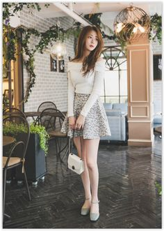 All Korean Fashion items up to 70% OFF! Chlo.D.Manon - Floral Pattern A-Line Mini Skirt #miniskirt #floral #koreanfashion