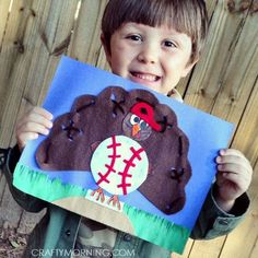 Turkey in Disguise Craft: Baseball Glove (Kids Thanksgiving craft) - Crafty Morning Here is an adorable turkey in disguise craft for kids to make on thanksgiving! He is turned into a baseball mitt which boys would love. Turkey Hat, Tom Turkey, Turkey Time, Crafts For Kids To Make, Projects For Kids, School Projects, Project Ideas, Craft Ideas, Kids Diy