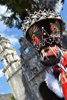 Chinelos en el Carnaval de Tepoztlan, Morelos                   Bienes raíces en Cuernavaca: http://arquydesa.com/