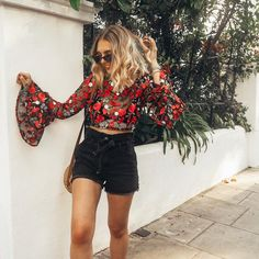 Ive got that Friday feelinggg oh and don't mind me just floating around in the most gorgeous floral top and paper bag shorts which…
