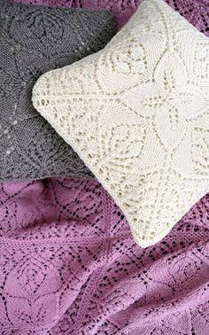 Neulottu tyynynpäällinen Novita Isoveli   Novita knits