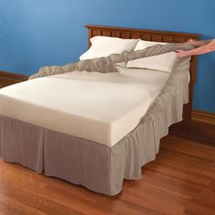 The Easy On and Off Dust Ruffle - Hammacher Schlemmer Excellent idea! must get these next time I need bed skirtsThe Easy On and Off Dust Ruffle - Hammacher Schlemmer. So buying this rather than a bed shirt because lifting the mattress hurts my back. Home Bedroom, Master Bedroom, Bedroom Decor, Draps Design, Dust Ruffle, Bed Covers, Bed Spreads, Luxury Bedding, Bed Sheets