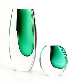 Detailed image of Signed Lindstrand Kosta off-centre green vase set