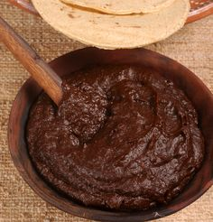 Mole negro oaxaqueño- Looks weird, tastes incredible. Real Mexican Food, Mexican Cooking, Mexican Food Recipes, Mexican Kitchens, Mexican Dishes, Barbacoa, Mexican Mole Sauce, Chicken Mole Recipe, Healthy Food Alternatives